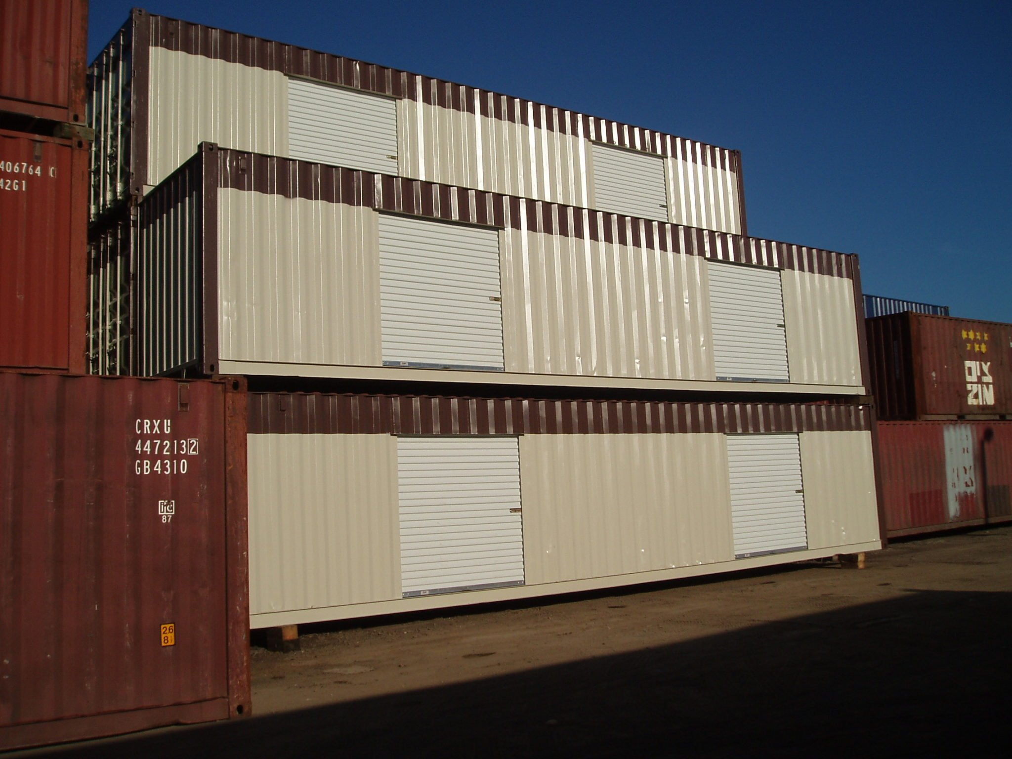 A American Container's Double Roll Up Doors for Hertz